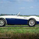 Austin-Healey-100-6-six-blue-white-02