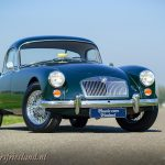 MG-MGA-Coupe-british-racing-green-001