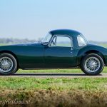 MG-MGA-Coupe-british-racing-green-02