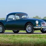 MG-MGA-Coupe-british-racing-green-03