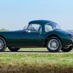MG-MGA-Coupe-british-racing-green-17