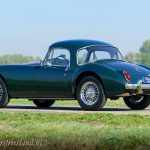 MG-MGA-Coupe-british-racing-green-19