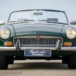 MG-MGB-roadster-british-racing-green-01