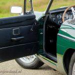 MG-MGB-roadster-british-racing-green-04