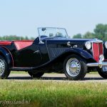 MG-TD-1953-black-red-concours-03