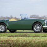 MG-MGA-1500-roadster-british-racing-green-13