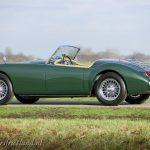 MG-MGA-1500-roadster-british-racing-green-14