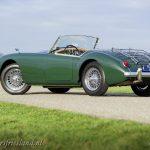 MG-MGA-1500-roadster-british-racing-green-16