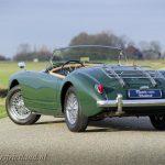 MG-MGA-1500-roadster-british-racing-green-18